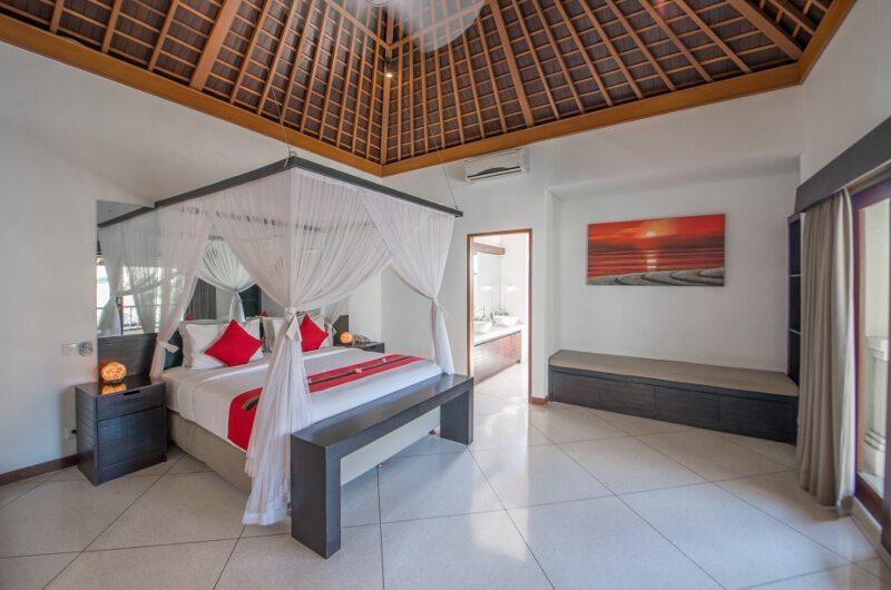 Bedroom with Seating Area - Villa Zanissa Villa Zack - Seminyak, Bali