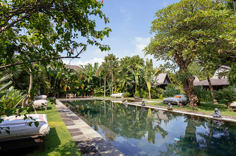 Gardens and Pool - Villa Zelie - Canggu, Bali
