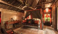 Bedroom with Table Lamps - Villa Zelie - Canggu, Bali