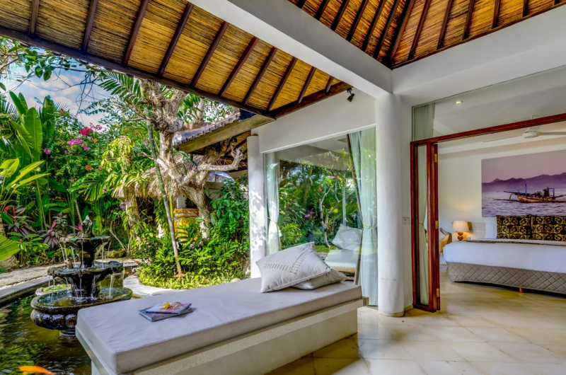 Bedroom and Balcony - Vitari Villa - Seminyak, Bali