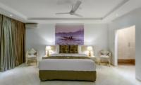 Bedroom with Seating Area - Vitari Villa - Seminyak, Bali