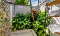 Outdoor Shower - Vitari Villa - Seminyak, Bali