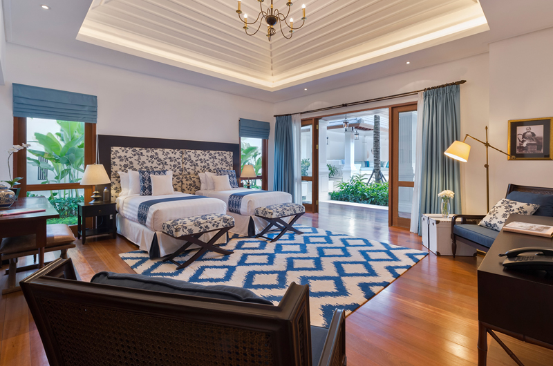 Twin Bedroom with Seating Area - Windu Villas - Villa Windu Asri - Seminyak, Bali