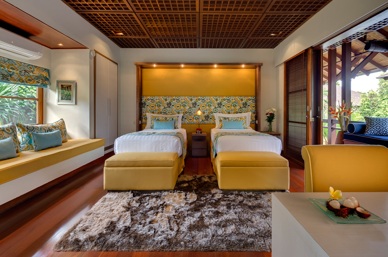 Twin Bedroom with Seating Area - Windu Villas - Villa Windu Sari - Seminyak, Bali