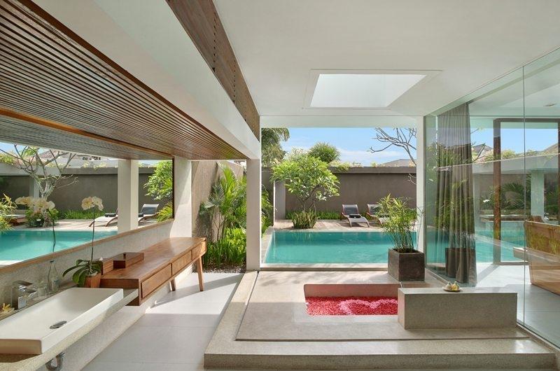 Romantic Bathtub Set Up - Ziva a Boutique - Seminyak, Bali