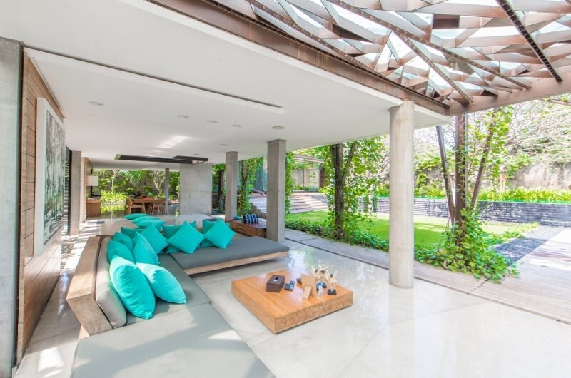 Living Area with Garden View - Ziva A Residence - Seminyak, Bali