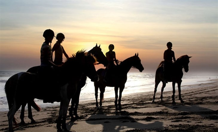 Canngu Horseback Riding On The Beach