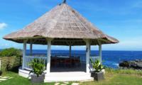 Outdoor Seating Area - Villa Putih - Nusa Lembongan, Bali