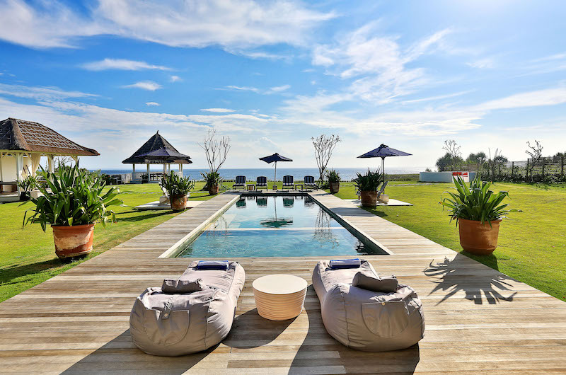 Gardens and Pool - Villa Putih - Nusa Lembongan, Bali