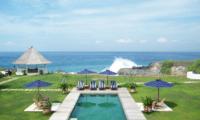 Pool with Sea View - Villa Putih - Nusa Lembongan, Bali