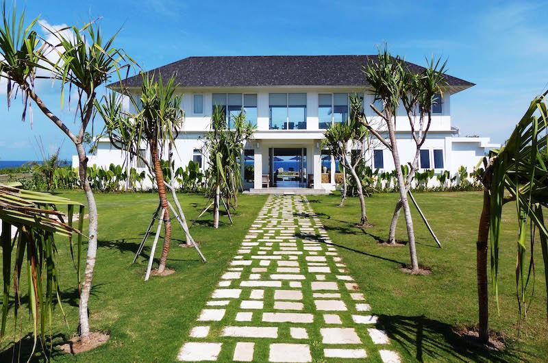 Pathway - Villa Putih - Nusa Lembongan, Bali