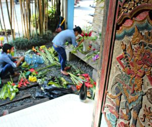 Ubud Flower Arranging