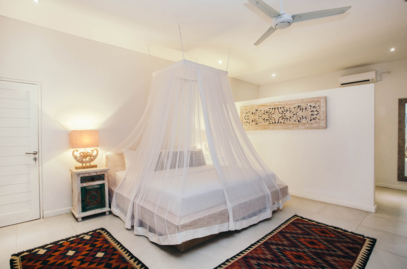 Bedroom with Mosquito Net - Escape - Nusa Lembongan, Bali