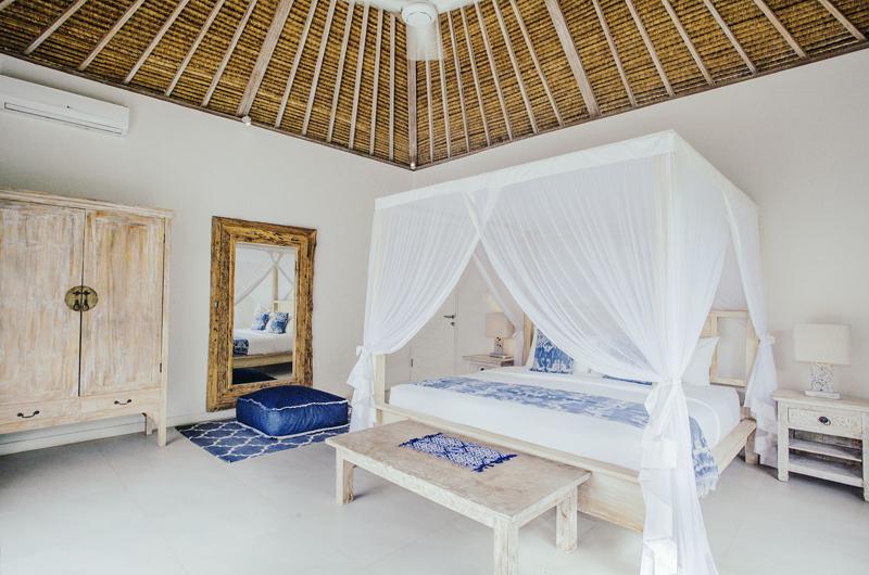 Bedroom with Mirror - Escape - Nusa Lembongan, Bali