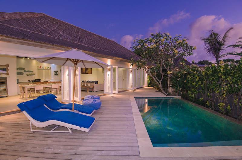 Sun Beds - Escape - Nusa Lembongan, Bali