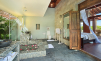 Bedroom and En-Suite Bathroom - Hidden Hills Villas Villa Grande - Uluwatu, Bali