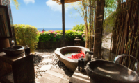 Outdoor Bathtub - Hidden Hills Villas Villa Raja - Uluwatu, Bali