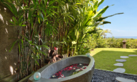 Outdoor Bathtub - Hidden Hills Villas Villa Sekapa - Uluwatu, Bali