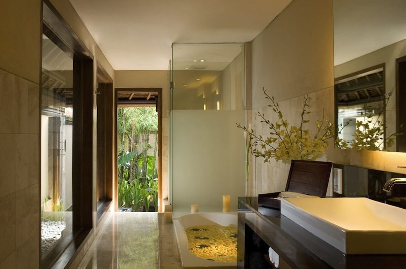 Romantic Bathtub Set Up - Kamandalu Ubud - Ubud, Bali