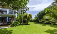 Lawns - Mary's Beach Villa - Canggu, Bali