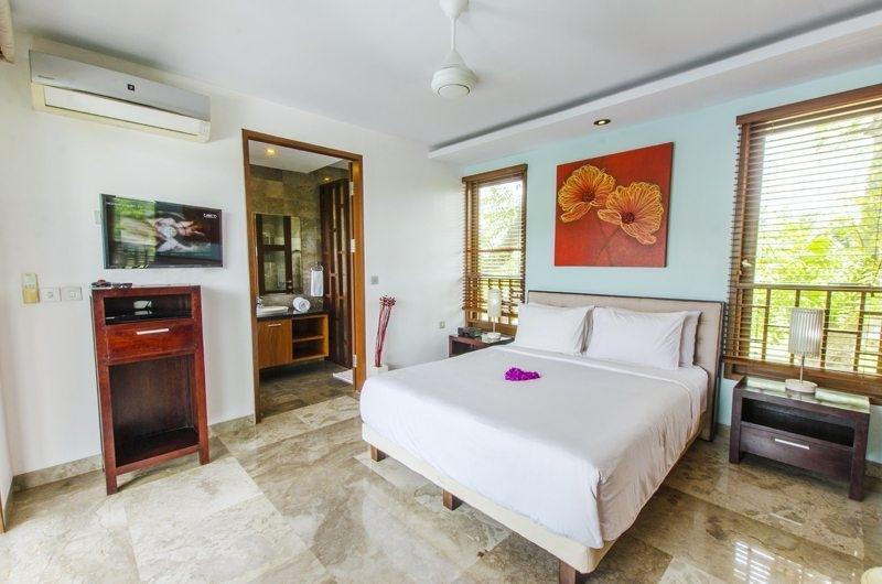 Bedroom with Table Lamps - Mary's Beach Villa - Canggu, Bali