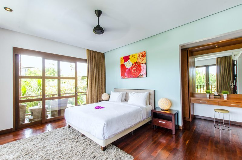 Bedroom with Wooden Floor - Mary's Beach Villa - Canggu, Bali
