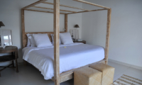 Four Poster Bed - Santai Beach House - Canggu, Bali