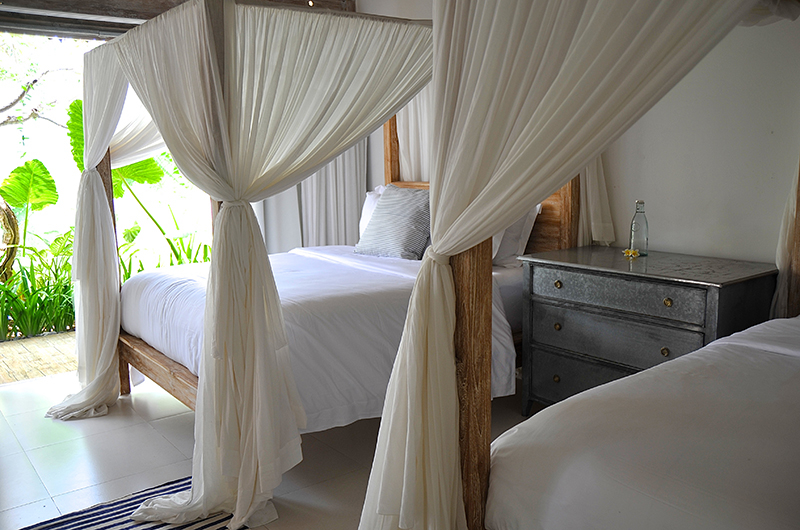 Twin Bedroom - Santai Beach House - Canggu, Bali