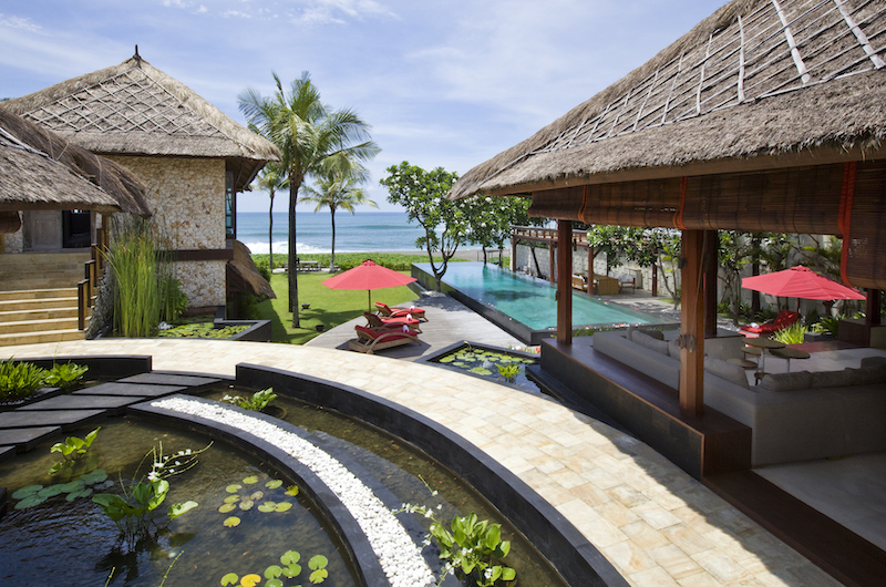 Pool Side Sun Loungers - Sound Of The Sea - Pererenan, Bali