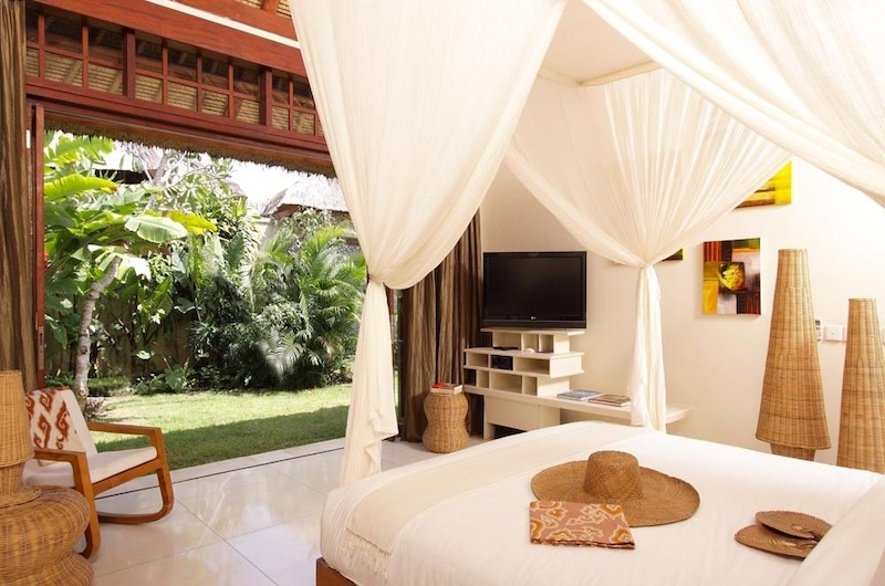 Bedroom with TV - Sound Of The Sea - Pererenan, Bali