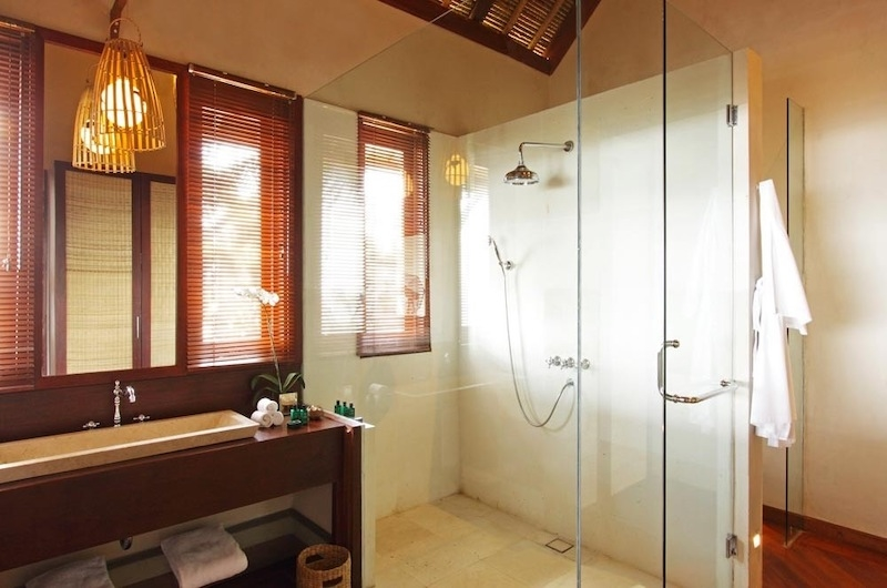 Bathroom with Shower - Sound Of The Sea - Pererenan, Bali
