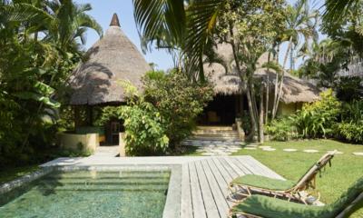 Pool Side Loungers - The Island Houses - Round House - Seminyak, Bali