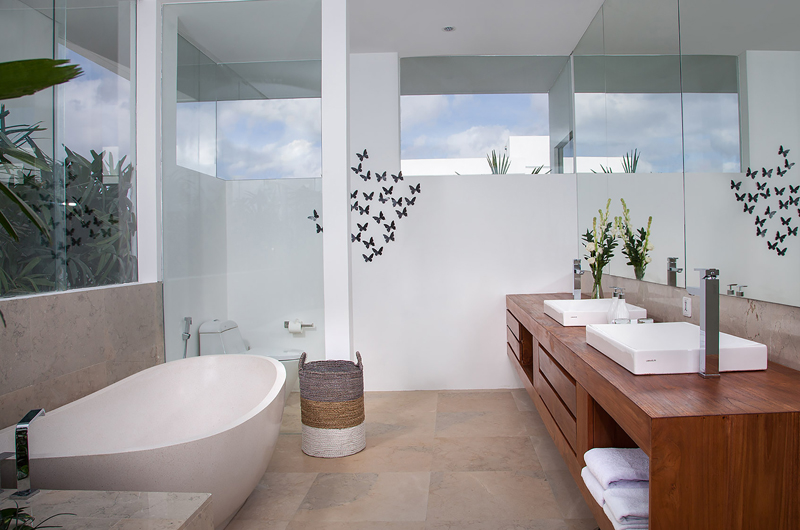 His and Hers Bathroom with Bathtub - The Palm House - Canggu, Bali
