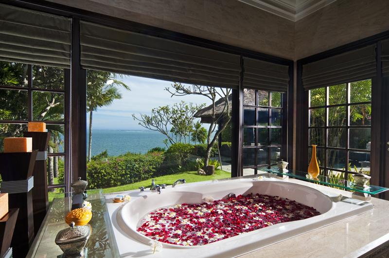 Bathtub with Rose Petals - The Villas At Ayana Resort Bali - Jimbaran, Bali