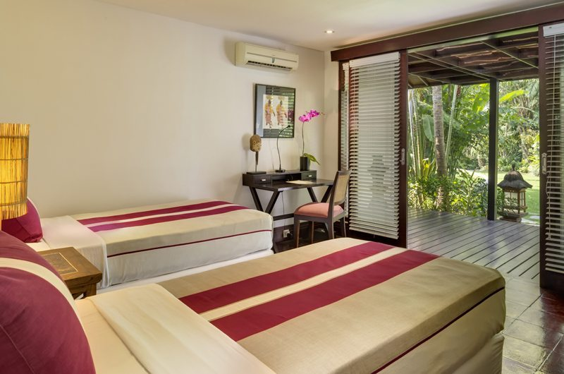 Twin Bedroom and Balcony - Uma Wana Prasta - Canggu, Bali