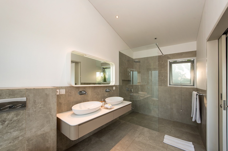 Bathroom with Shower - Villa Alocasia - Canggu, Bali