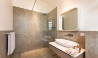 Bathroom with Mirror - Villa Alocasia - Canggu, Bali