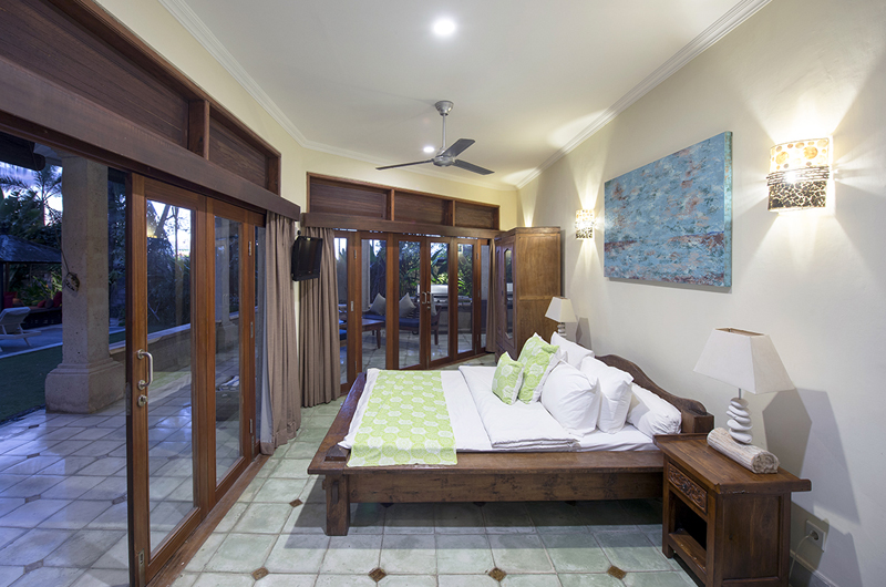 Bedroom and Balcony - Villa Anyar - Umalas, Bali