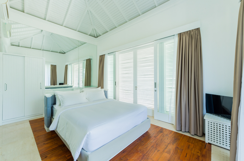 Bedroom with Wooden Floor - Villa Bianca Canggu - Canggu , Bali