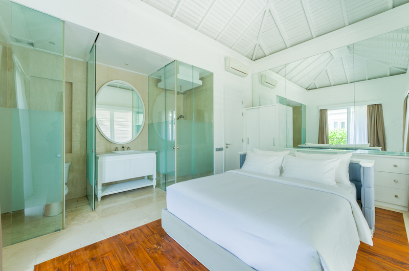 Bedroom and En-Suite Bathroom - Villa Bianca Canggu - Canggu , Bali