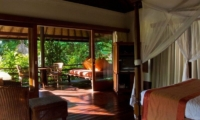 Bedroom with Balcony - Villa Bougainvillea - Canggu, Bali
