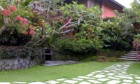 Lawns - Villa Bougainvillea - Canggu, Bali