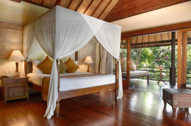 Bedroom with Wooden Floor - Villa Bougainvillea - Canggu, Bali