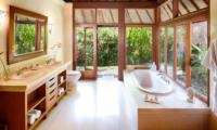 En-Suite Bathroom - Villa Bougainvillea - Canggu, Bali
