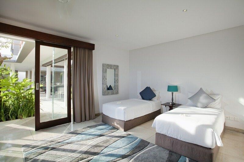 Twin Bedroom with View - Villa CassaMia - Jimbaran, Bali