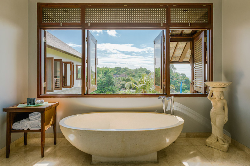 Bathtub with View - Villa Impian Manis- Uluwatu, Bali