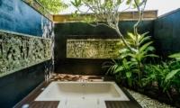 Open Plan Bathtub - Villa Impian Manis - Uluwatu, Bali