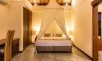 Bedroom with Mosquito Net - Villa Lotus Lembongan - Nusa Lembongan, Bali