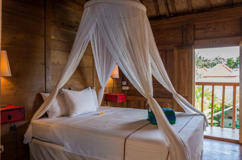 Bedroom and Balcony - Villa Niri - Seminyak, Bali
