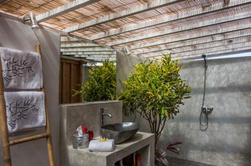 Bathroom with Shower - Villa Niri - Seminyak, Bali